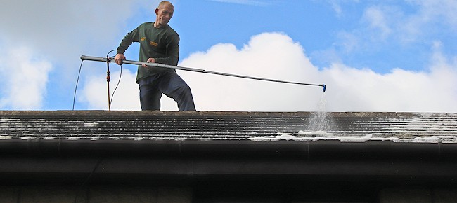 Fixing And Repairing Your Roof In A Safe And Easy Way