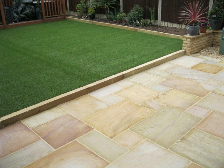 Natural Or Artificial Grass? What To Choose And Why?